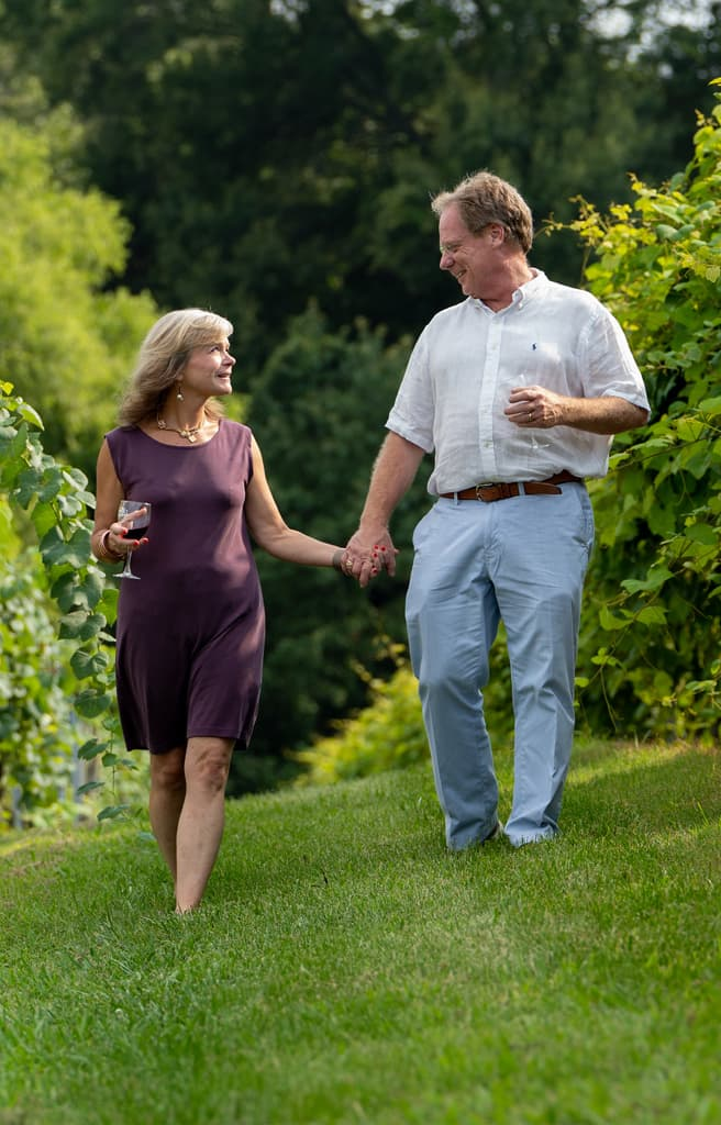 couple on wine tour in West Tennessee