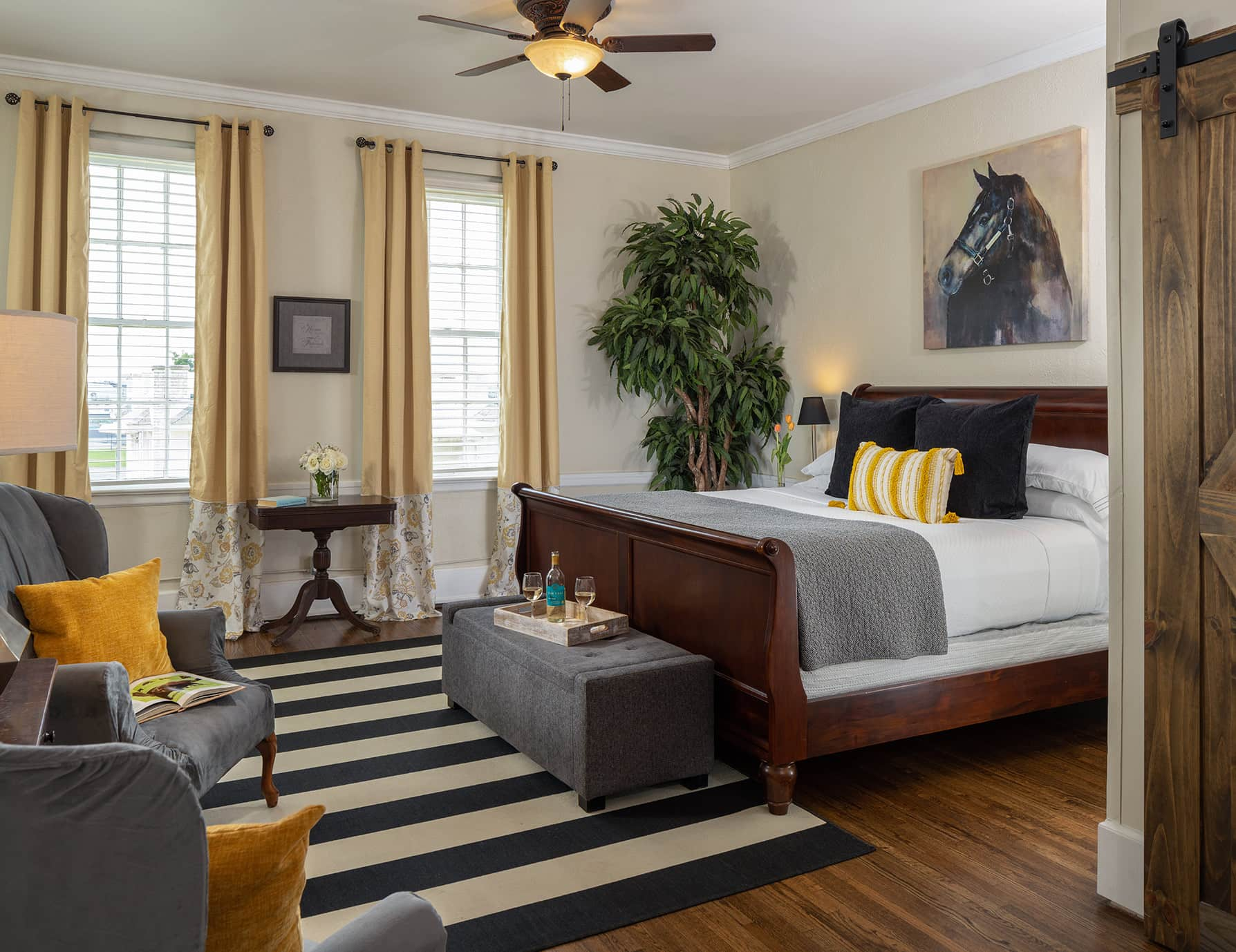 The Wellington room bed and sitting area