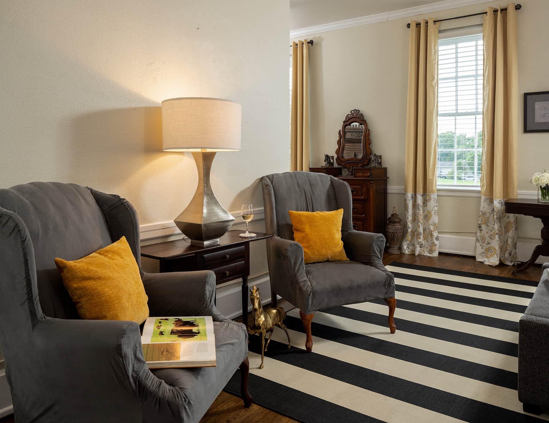 The Wellington room sitting area - romantic getaway near Memphis