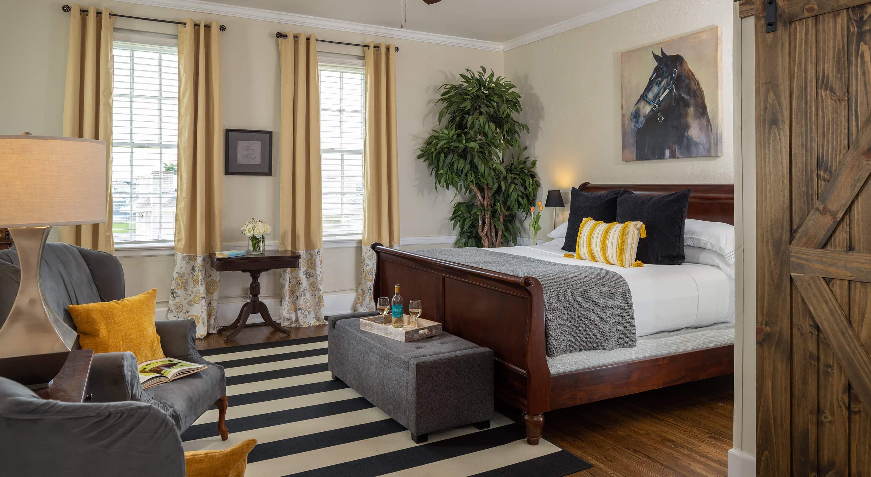 The Wellington room - A romantic getaway near Memphis