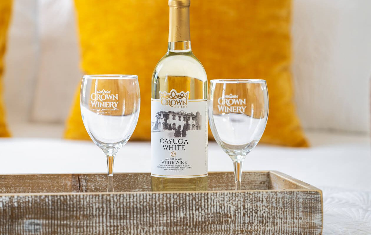 white wine and two glasses at Tennessee wine tour